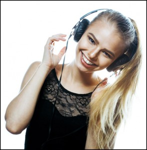 Skype singing lessons headphone pic